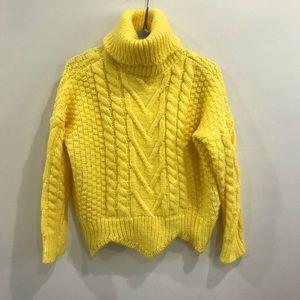 {Zaful} Cropped Scalloped Turtle Neck Sweater